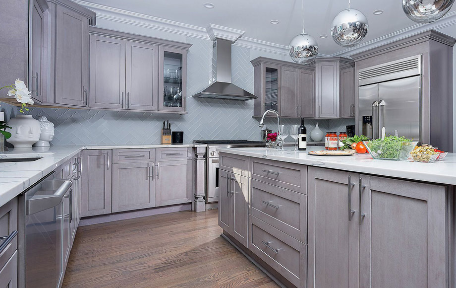 Fabuwood Kitchen Cabinets - Galaxy Oynx Horizon